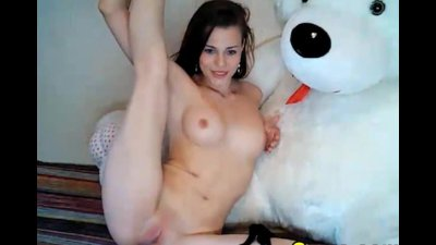Gorgeous Babe Fingering her Cunt