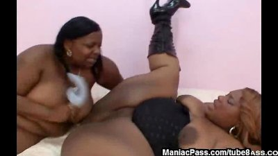 Black lesbo fatties with toys