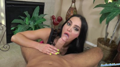 Amy Anderssen fucks like tiny