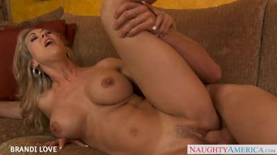 Beauty blondie Brandi Love fuc