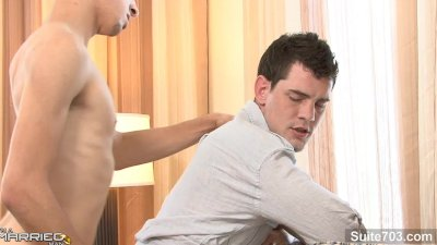Sexual married guy gives oral sex to a gay