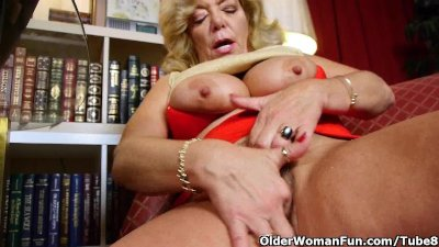 Grandma's soaked pussy needs attention