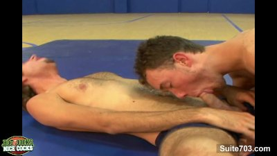 Sexy gay jocks fucking in the gym