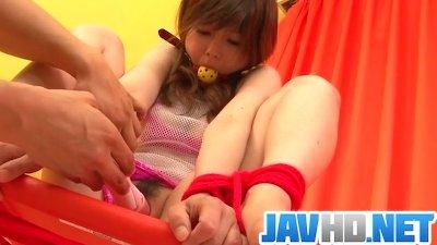 Miku AIri amazes in pure Asian bondage porn show