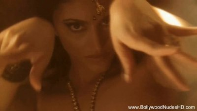 Indian MILF Is A Sexy Dance Thing