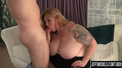 Big titted blonde gets her pus