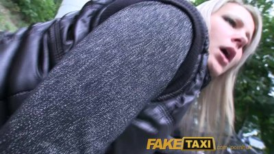 FakeTaxi Posh blonde falls for