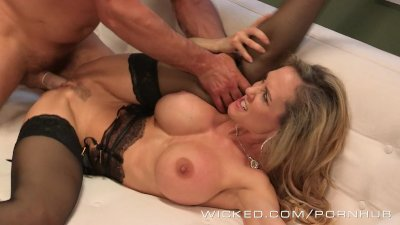 Wicked - Sexy milf Brandi Love