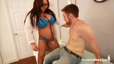 Sexy Big Tit Plumper Kendra Lee Ryan Plays Doctor
