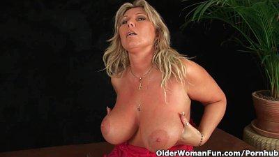 Chunky Milf With Big Tits Mast