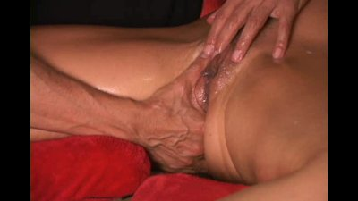Make a MILF squirt massively S