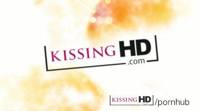 Kissing HD Mature mom tongue s