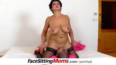 Big natural tits lady Greta wi