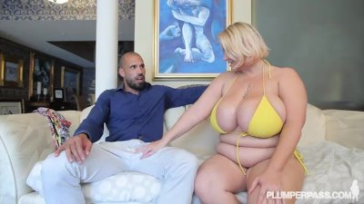 Fat Mom Gets Fucked by Latino