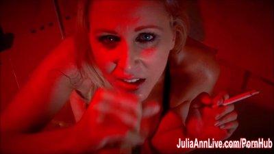 Sexy Milf Julia Ann Sucks Dick