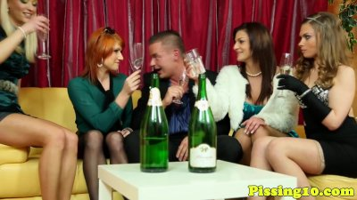 Glam eurobabe groupsex with pi