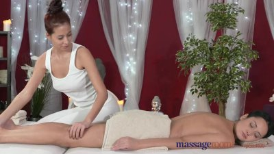 Massage Fingering movie: Massage Rooms Vietnamese beauty slips slowly inside young lesbian's pussy