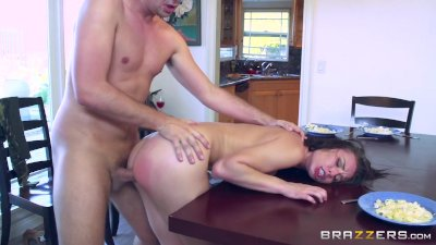 Hardcore Blowjob movie: Brazzers - Naughty step daughter Aidra fox